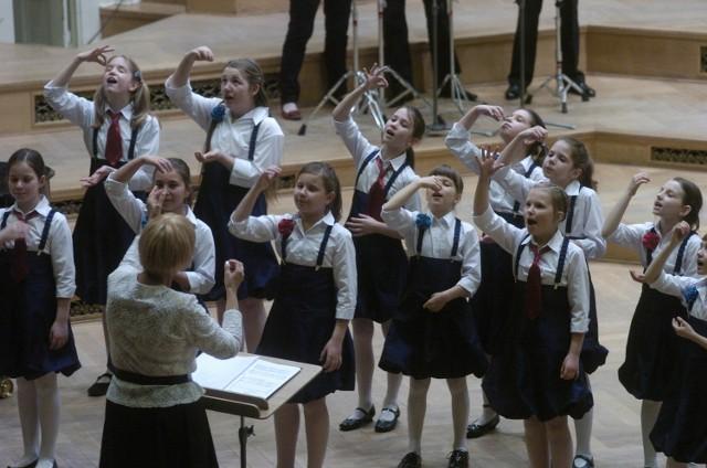 Gospodarzem Międzynarodowego Festiwalu Chórów Dziewczęcych są Skowronki kierowane przez Alicję Szelugę.