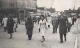 Pochody 1-majowe, śluby, I Komunie Święte - wydarzenia na kujawskiej wsi, sprzed lat [zdjęcia]