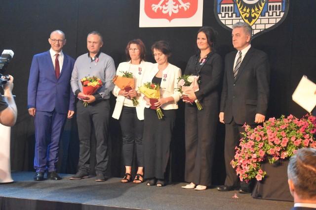 8 medali od prezydenta za Długoletnią Służbę zostały wręczone pracownikom OSiR Krosno Odrzańskie.