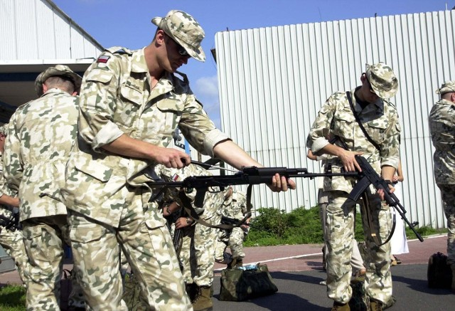 Szczecińscy żołnierze, którzy wyjechali do Iraku, nie zostali uwzględnieni w przepisach MON. Dlatego po powrocie do kraju nie dostali dodatkowych pieniędzy.