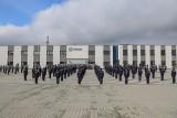 Małopolska ma 70 nowych policjantów. Właśnie złożyli ślubowanie [ZDJĘCIA]