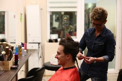 Przez Dwa Lata Zapuszczał Włosy Przekazał Je Na Peruki Dla Chorych