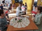 Dzieci z Ożarowa uczą się języka angielskiego w teorii i praktyce (ZDJĘCIA)