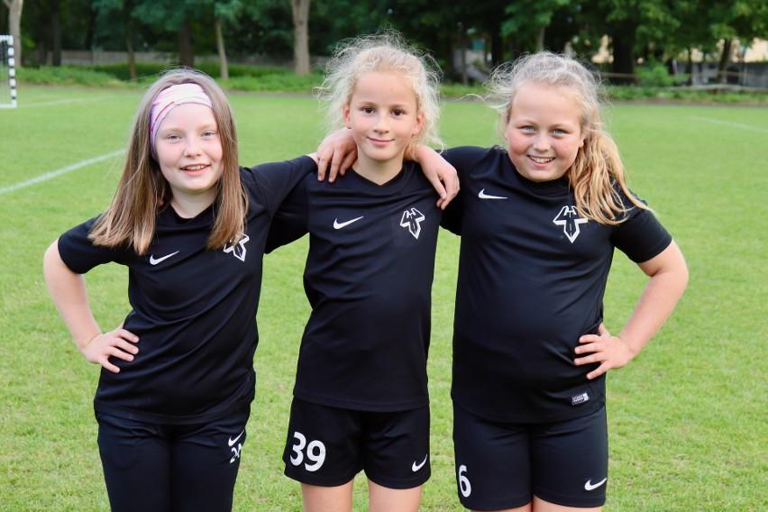 Dziewczynki w Czarnych będą prowadzić wykwalifikowani trenerzy i trenerki.