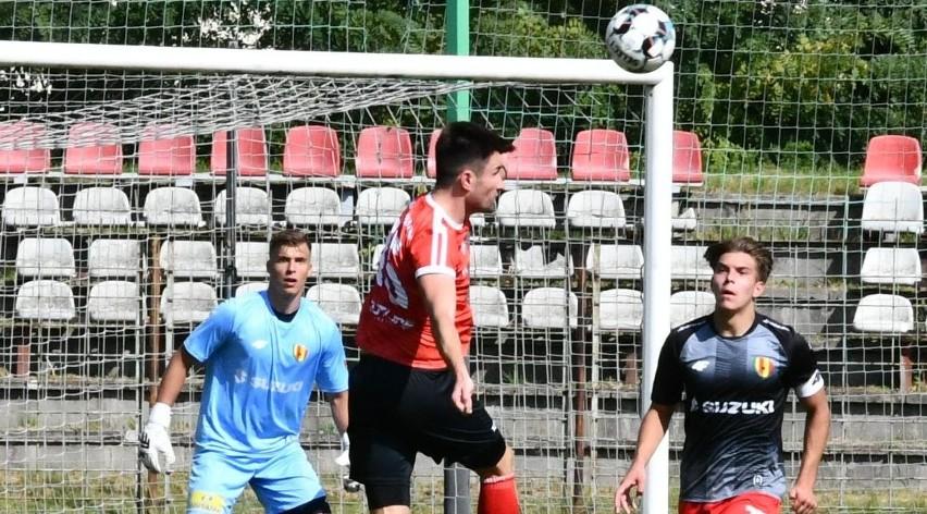 W meczu Hummel IV Ligi Korona II Kielce pokonała...