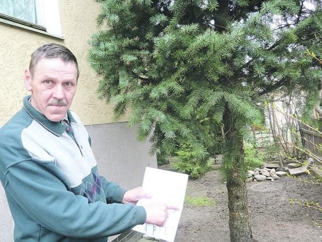 - Gotów jestem zasadzić nawet pięć podobnych drzewek, bylebym tylko nie musiał za to płacić - mówi Bogdan Bondarenko. - Te stawki są wzięte z księżyca, kogo stać na taki wydatek?