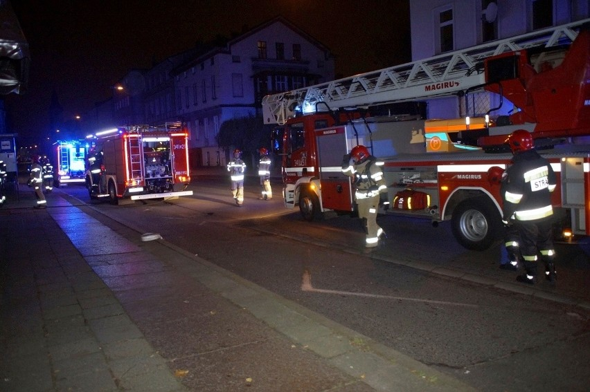 We wtorek wieczorem słupscy strażacy zostali zadysponowani do pożaru poddasza w jednej z kamienic przy ul. Armii Krajowej. W zdarzeniu na szczęście nikt nie ucierpiał.
