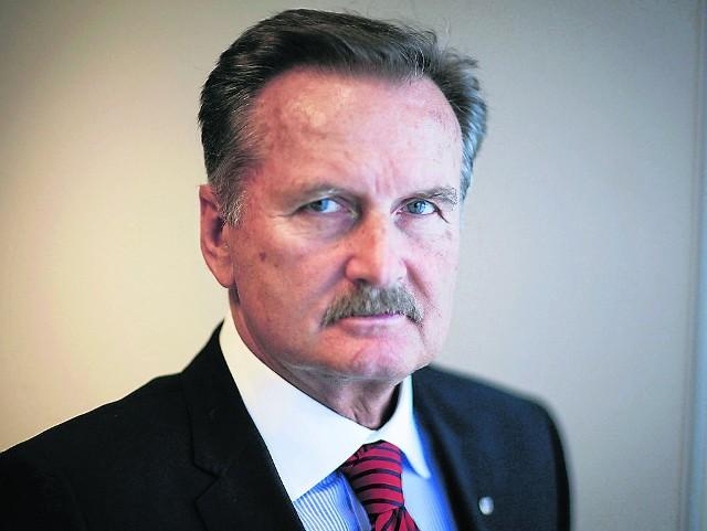 Nazwisko generała Gromosława  Czempińskiego pojawia się w kontekście sprawy  Jarosława Ziętary. Obrońca oskarżonego o podżeganie do zabójstwa domaga się przesłuchania generała