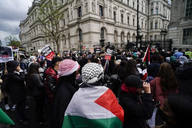 Propalestyńskie demonstracje w miastach Europy. Ludzie wyszli na ulice w Berlinie, Paryżu, Londynie. Były starcia z policją