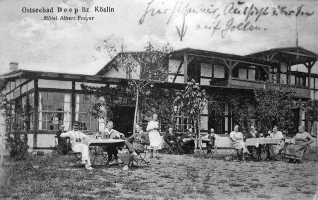 Letnicy wypoczywający na świeżym powietrzu. Rok 1925.