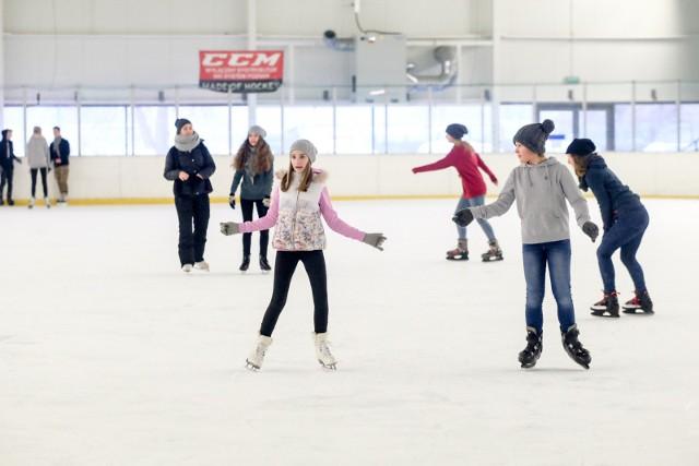 Zajęcia z jazdy na łyżwach będą odbywać się na lodowisku Chwiałka, od 17 października.