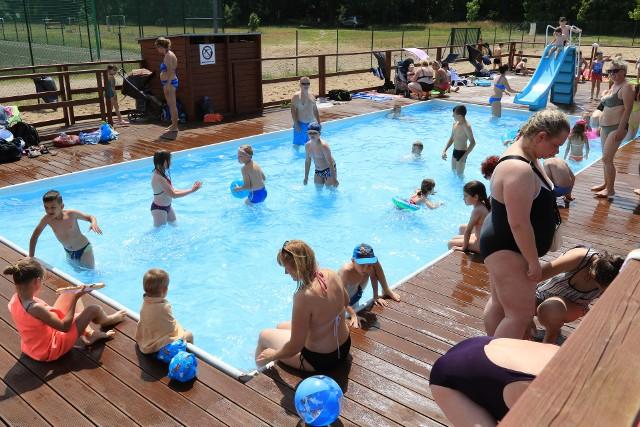Aż pięć basenów w mieście, zarówno tych krytych, jak i otwartych, oferuje darmowy wstęp dla dzieci i młodzieży szkolnej