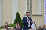 Wizyta premiera Mateusza Morawieckiego w Łowiczu. Przyszło wielu zwolenników
