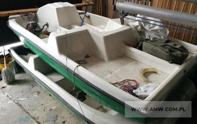 Rower wodny dwuosobowy 370 x 155 x 88 cm (sprawny technicznie, przecieka na uszczelkach)Ilość:1NR fabryczny:bnRok produkcji:bdCena:3000 Zobacz kolejne zdjęcia. Przesuwaj zdjęcia w prawo - naciśnij strzałkę lub przycisk NASTĘPNE >>>