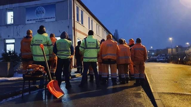MZUK w Sosnowcu opublikował zdjęcie dotyczące sytuacji z podpisem: Czekaliśmy.