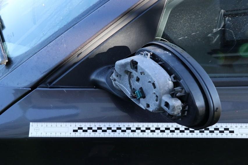 Suwałki. Wandal niszczył samochody w Suwałkach. Zatrzymała go policja