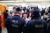 Twardy lockdown w Polsce! Czy grozi nam godzina policyjna?