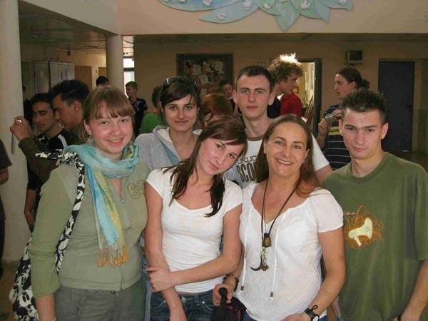 Dorota Rutka (druga z prawej) od kilku lat bierze udział w projektach szkolnych z uczniami  ze Słubic i Frankfurtu.