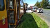 Wjechała w tramwaj linii 5. Wypadek na Limanowskiego ZDJĘCIA