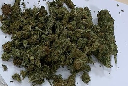 Policjanci znaleźli narkotyki przy pijanym kierowcy z gminy Krzeszowice