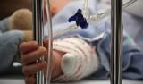 Tragedia w Kutnie. Skatowany 6-miesięczny Damian walczy o życie. Ojciec usłyszał zarzut usiłowania zabójstwa