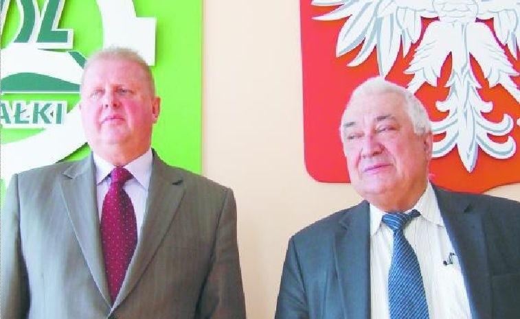 Kanclerz Zdzisław Siemaszko (z lewej) i rektor Jerzy Sikorski przez lata żyli w bardzo dobrej komitywie. Dzisiaj nie chcą już mieć ze sobą nic wspólnego. Kanclerz miał się zaangażować w to, by Sikorski dalej już uczelnią nie kierował.