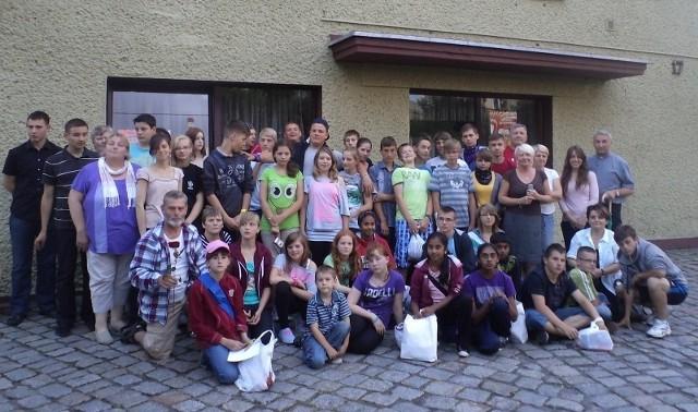 Polacy i Niemcy na kolonii w Oleśnie.