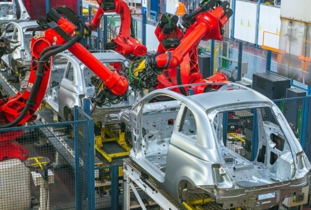 Zakład w Tychach zostanie zmodernizowany i rozbudowany, a w fabryce w Bielsku-Białej ruszy produkcja nowych, 3-cylindrowych, hybrydowych silników.Zobacz kolejne zdjęcia. Przesuwaj zdjęcia w prawo - naciśnij strzałkę lub przycisk NASTĘPNE