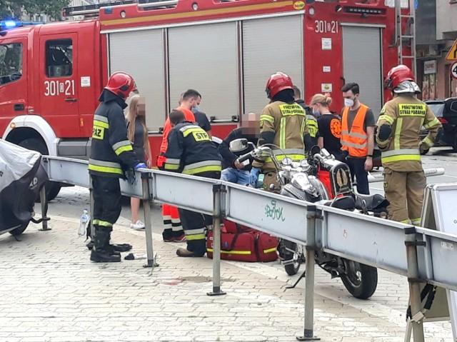 Wypadek motocyklisty na ul. Kościuszki we Wrocławiu [ZDJĘCIA]