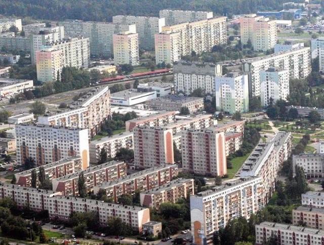 Najtańsze mieszkania są w Łodzi Łodzianie zarabiają kilkaset zł mniej niż mieszkańcy innych dużych miast. Ale i mieszkania są w Łodzi tańsze o kilka tysięcy za jeden metr kwadratowy