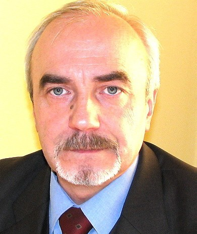 - Musimy się stosować do przepisów - mówi Andrzej Cherek, naczelnik wydziału edukacji UM