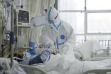 Nowy wirus w Chinach. Ile osób zachorowało? Jakie objawy? Koronawirus nCoV zabił 171. Wuhan odcięte od świata [RAPORT 30.01.2020]
