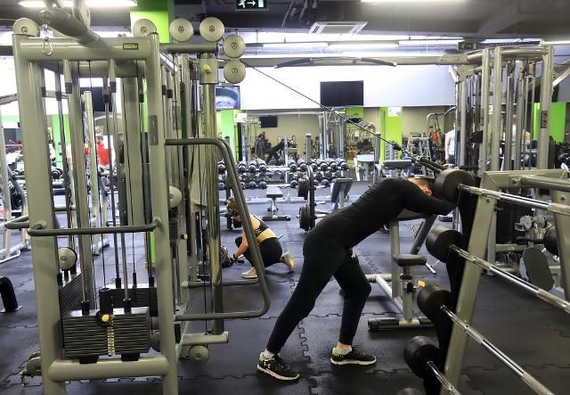Kluby fitness i siłownie miały otworzyć się 1 lutego mimo obostrzeń