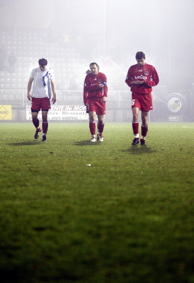 W smutnych nastrojach żegnają się z Pucharem UEFA piłkarze Amiki Wronki.