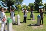 Głowy wolności Jacka Wesołowskiego, czyli nowa instalacja artystyczna stanęła w parku koło Akademii Sztuk Pięknych