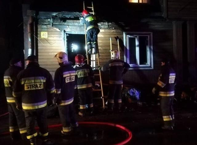 Aż 9 osób zginęło w pożarach, które w tym miesiącu wybuchły na terenie województwa łódzkiego. Ogień zabił 6 mieszkańców Łodzi, dwóch zgierzan i jednego mieszkańca powiatu pajęczańskiego. Przyczyną wszystkich pożarów było zaprószenie ognia przez domowników i pewne jest, że połowę spowodował niedopałek papierosa! Czytaj więcej na następnej karcie
