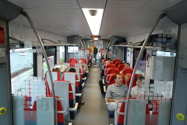 Obydwaj przewoźnicy - ŁKA i KM zapewniają na tej trasie nowoczesny tabor.