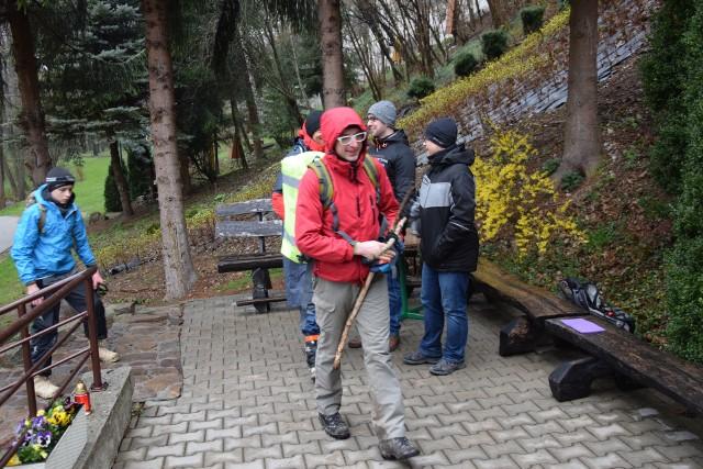 Wspomnienia z ubiegłorocznej Ekstremalnej Drogi Krzyżowej po Ojcowskim Parku Narodowym i jego otulinie
