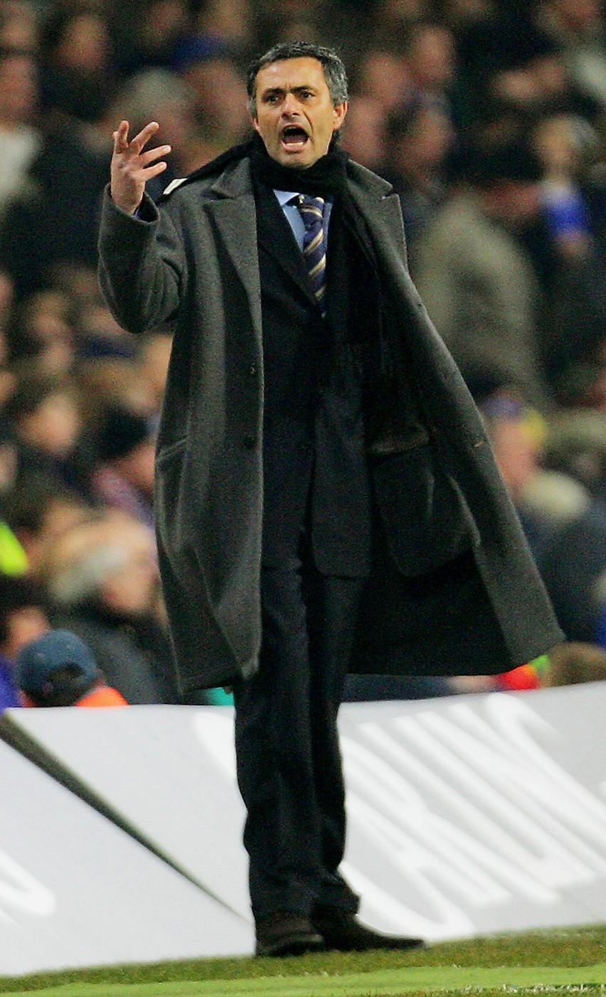 Trener Chelsea Jose Mourinho czeka dziś trudny dzień....