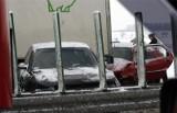 Kolizja na ul. Staropoznańskiej w Inowrocławiu. Okazało się, że 20-letni sprawca wcześniej okradł sklep