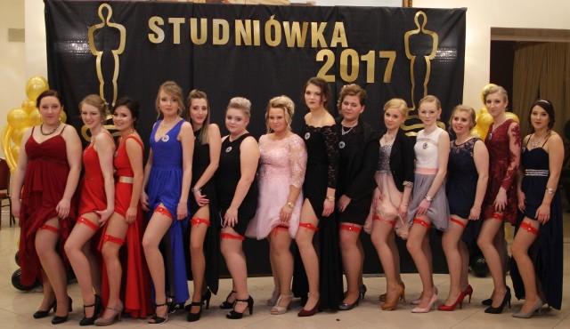 Uczniowie Zespołu Szkół w Gorzowie Śląskim bawili się na balu maturalnym 28 stycznia w restauracji Werona w Praszce.