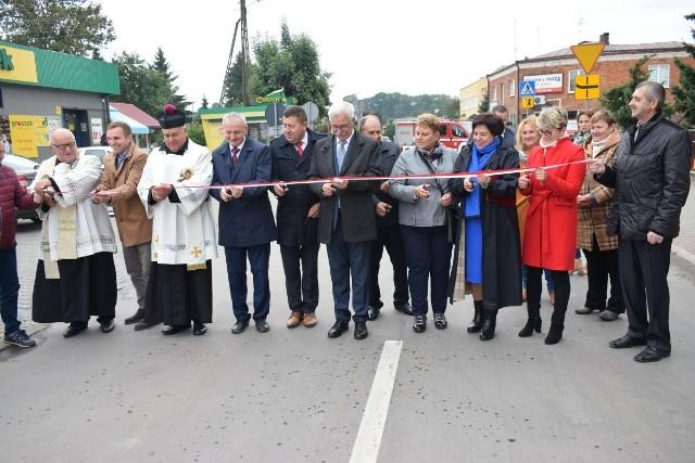 Uroczyste otwarcie jednej z wyremontowanych ulic