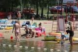 Nad jezioro w Pszczynie już bez maseczek. Ośrodek Sportów Wodnych w Łące nęci plażowiczów w upalne dni
