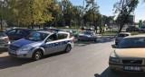 Wypadek na ul. Pabianickiej. W karambolu zderzyło się aż 7 samochodów. W wypadku na Rzgowskiej ranna jedna osoba [zdjęcia]