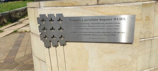 Z inicjatywy radnej Aleksandry Sembigi-Wysockiej na tablicy na tyskim pomniku znalazły się nazwiska poległych górników.