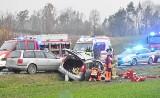 Kolejny wypadek i ranni na drodze wojewódzkiej nr 246 między Paterkiem, a Wieszkami [zdjęcia]