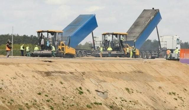 Wiadomo, że koszt budowy S14 w ciągu 3 lat wzrósł już o 75 mln zł.