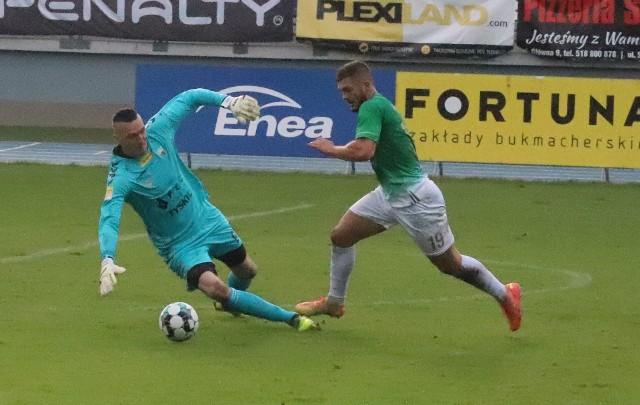 W zaległym meczu pierwszej ligi, Radomiak Radom zremisował 2:2 z GKS Tychy. Dwa gole strzelił dla Radomiaka, Karol Angielski (na zdjęciu). Zobacz zdjęcia z meczu>>>