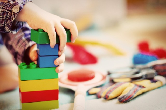 UOKiK ostrzega po kontroli zabawek dla dzieci. W wielu wykryto nieprawidłowości. Zobacz na kolejnych slajdach, które zabawki mogą być niebezpieczne >>>
