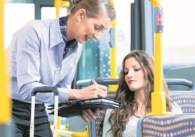 Kobieta jako kontrolerka  biletów to sprytne rozwiązanie